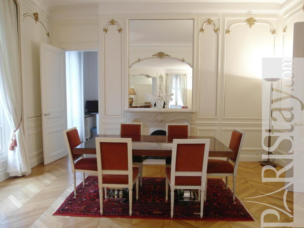 Paris location meubl e appartement type t3 kleber hugo for Salle a manger 1920