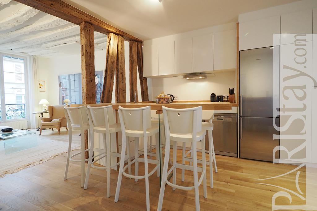 2 Bedrooms Apartment Short Term Rentals Paris Palais Royal 75001 Paris