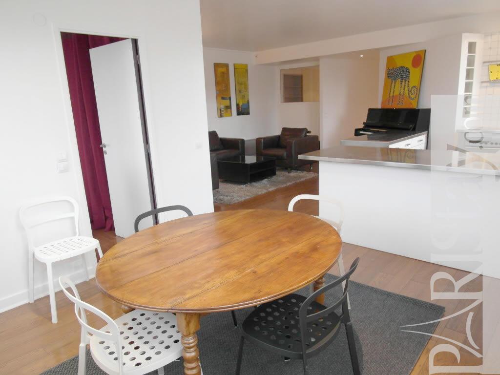 Paris location meubl e appartement type t3 charriere atelier for Salle a manger 1920