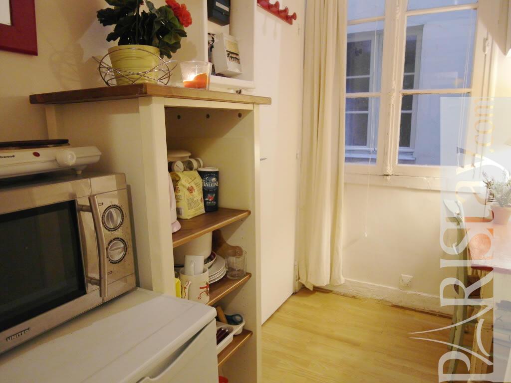 paris location meubl e appartement type t1 etudiant studio halles studette. Black Bedroom Furniture Sets. Home Design Ideas