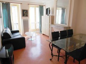 Apartment Faubourg St Martin 2 Bed - 2 bedrooms