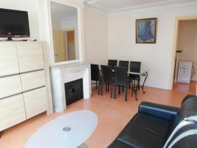 Faubourg St Martin 2 Bed