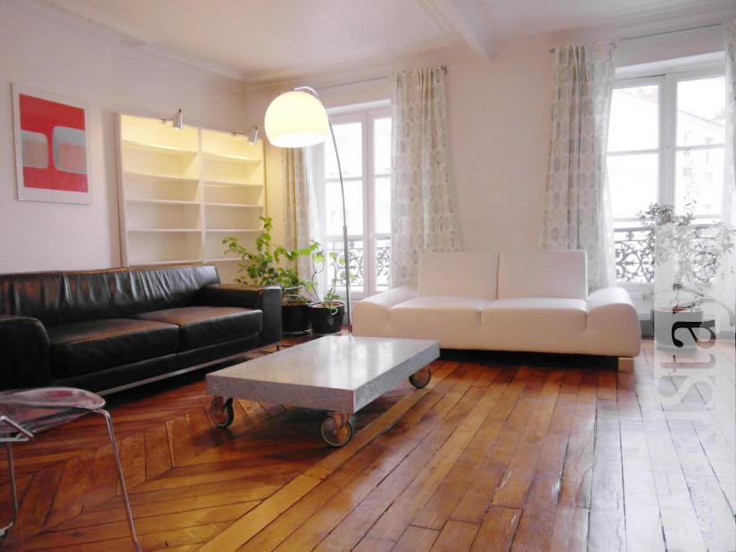 paris location meubl e appartement type t2 ramey montmartre. Black Bedroom Furniture Sets. Home Design Ideas