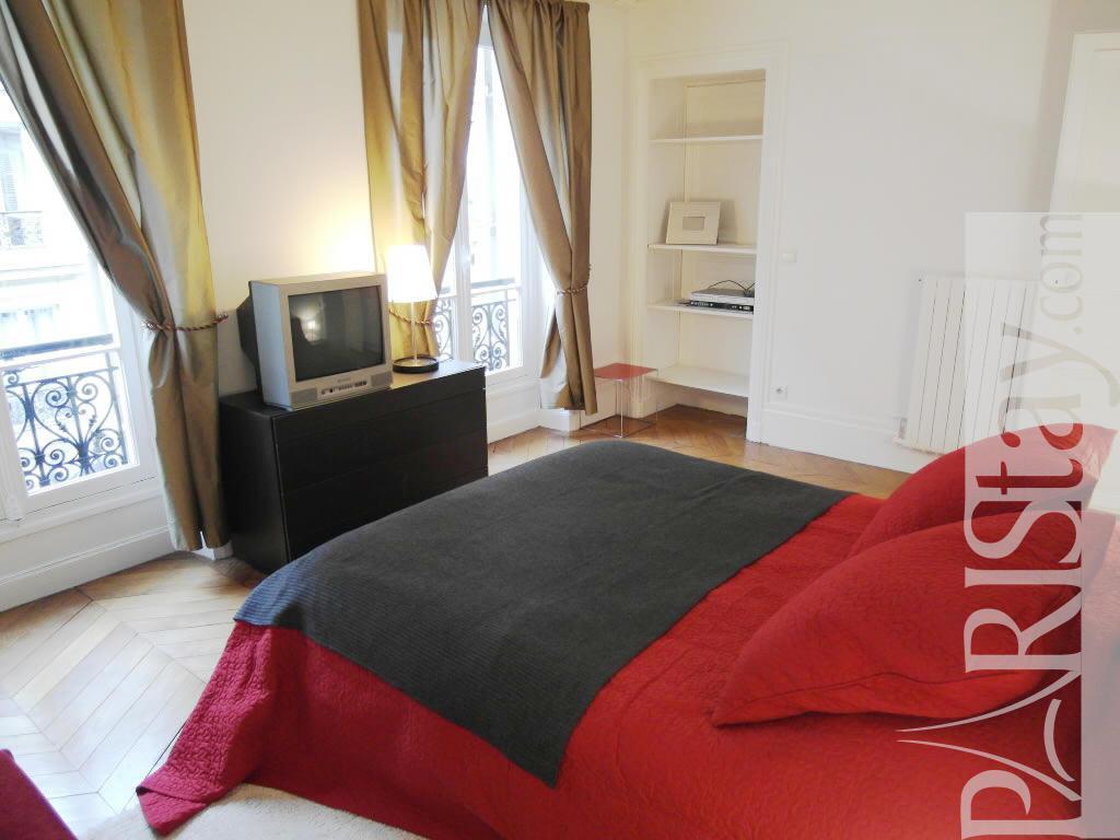 Paris Location Meubl E Appartement Type T3 Faubourg St