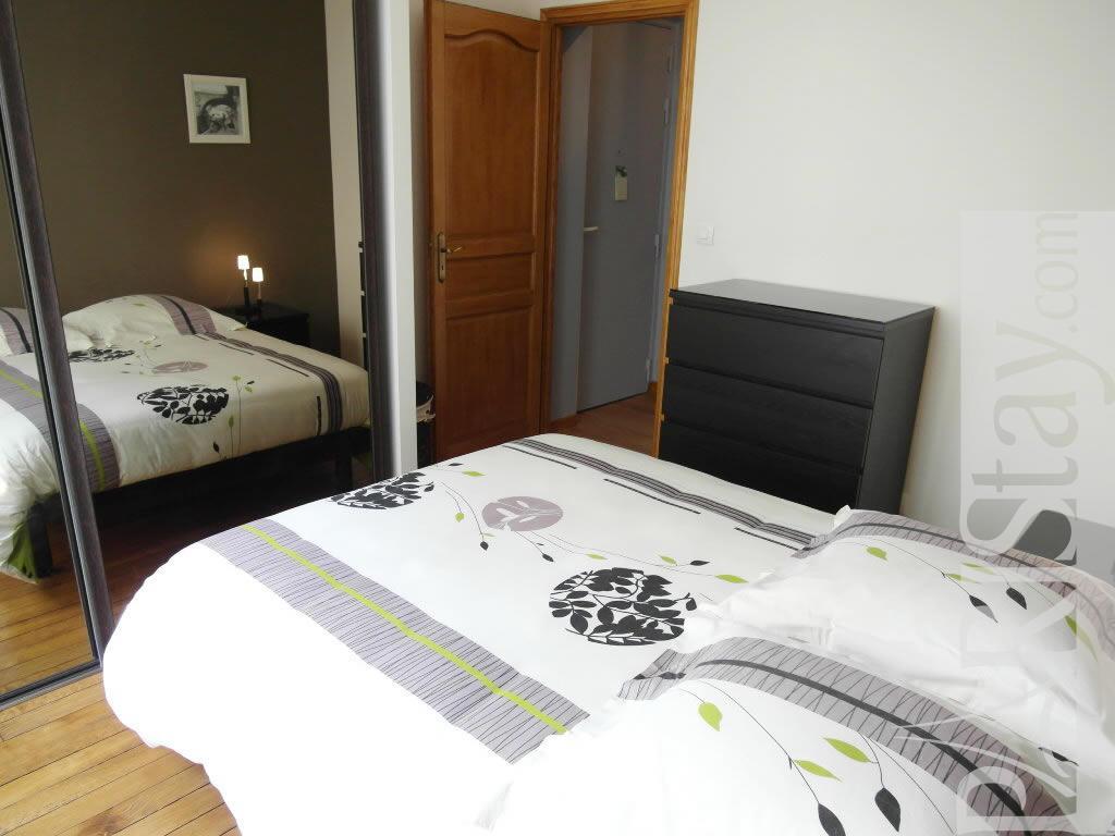 Paris Location Meubl E Appartement Type T3 Lemercier 2 Bed