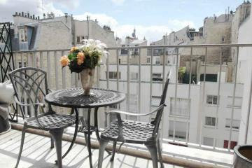 Apartment Victor Hugo 2 Bed Balcony