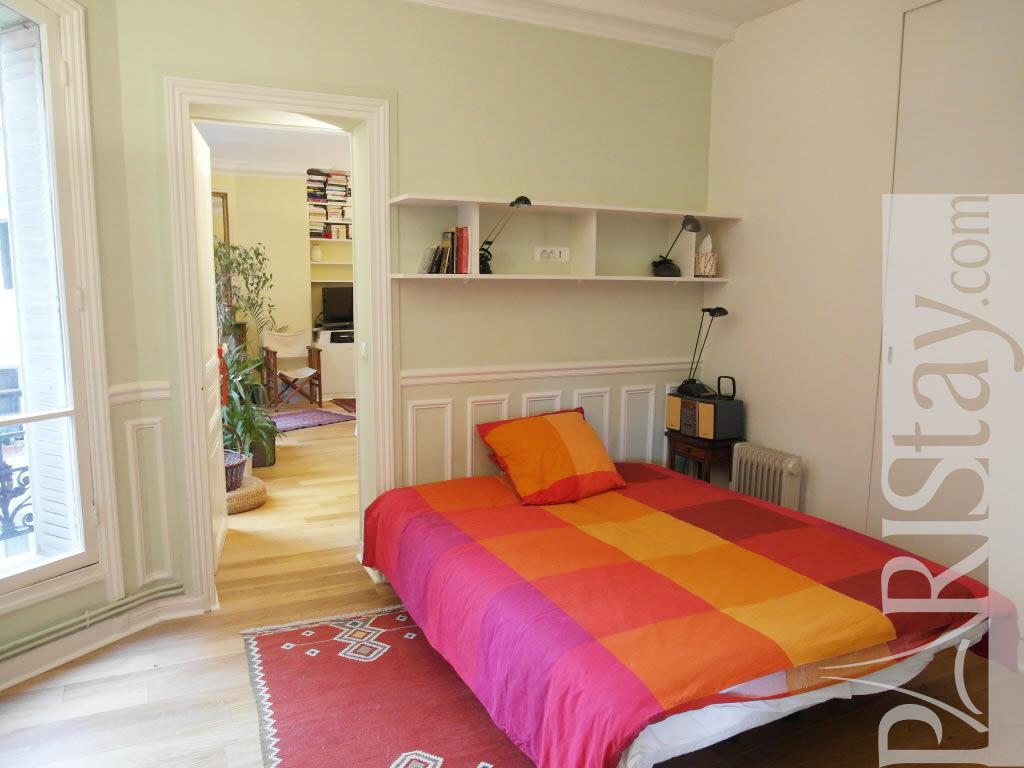 Paris location meubl e appartement type t2 st denis cosy 1 for Chambre a coucher cosy