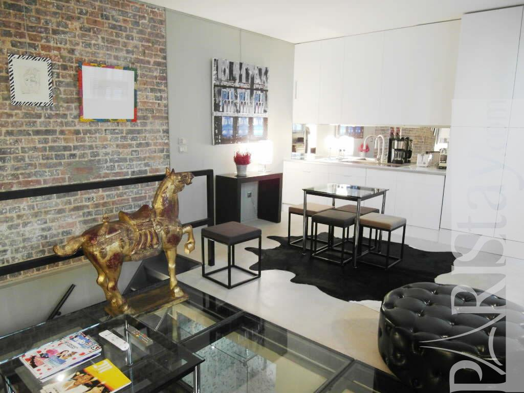 Paris location meubl e appartement type t2 mouffetard st for Salon sur paris