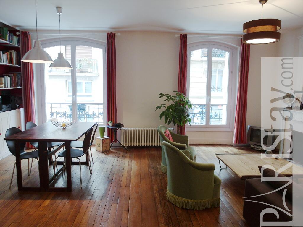 paris location meubl e appartement type t2 montmartre duhesme. Black Bedroom Furniture Sets. Home Design Ideas