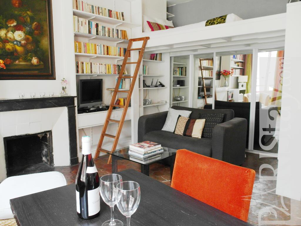 long term rental paris le marais 75003 paris. Black Bedroom Furniture Sets. Home Design Ideas
