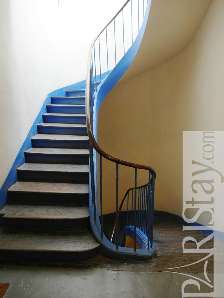 paris location meubl e appartement type t1 studio vertbois mezzanine. Black Bedroom Furniture Sets. Home Design Ideas