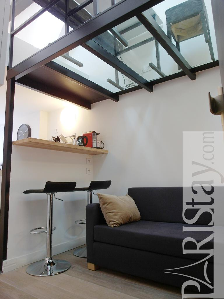 Long term rentals paris madeleine concorde 75008 paris - Mezzanine studio ...