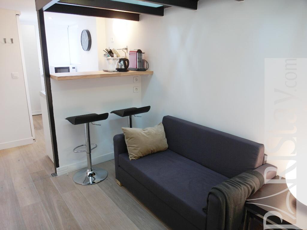 long term rentals paris madeleine concorde 75008 paris. Black Bedroom Furniture Sets. Home Design Ideas