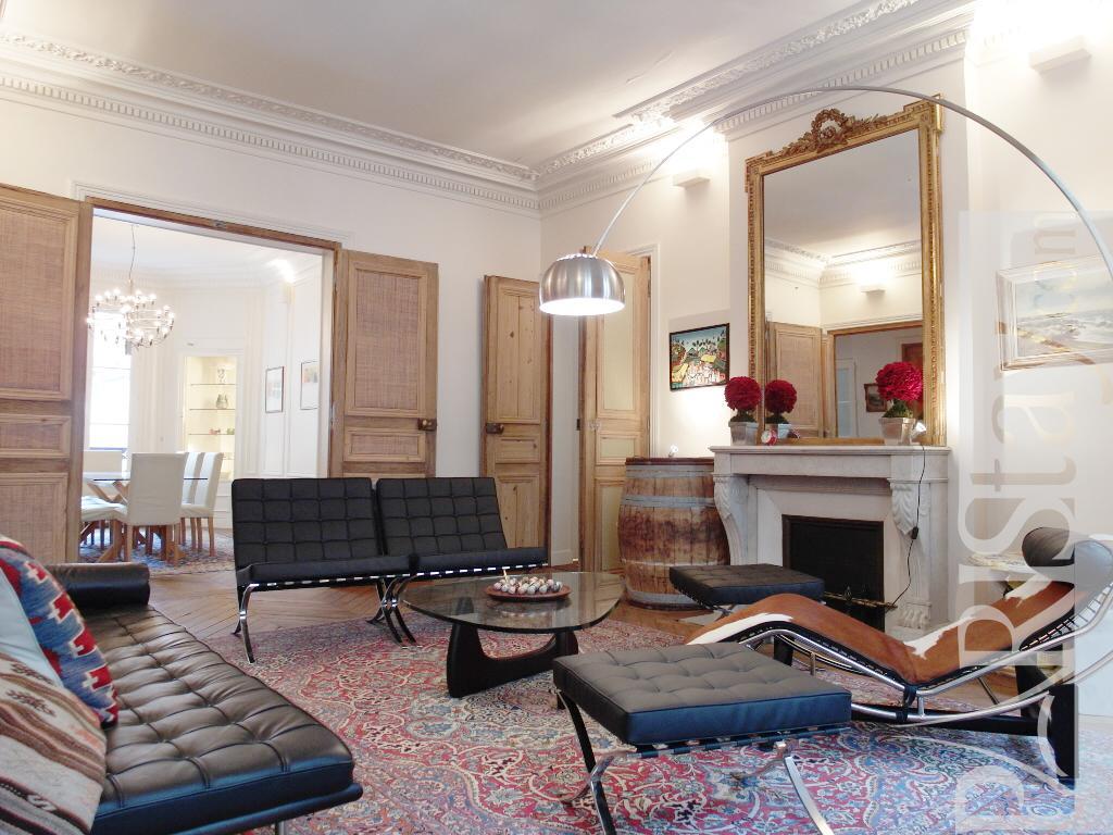 Long Term Renting St Germain Bonaparte Apartment 75006 Paris