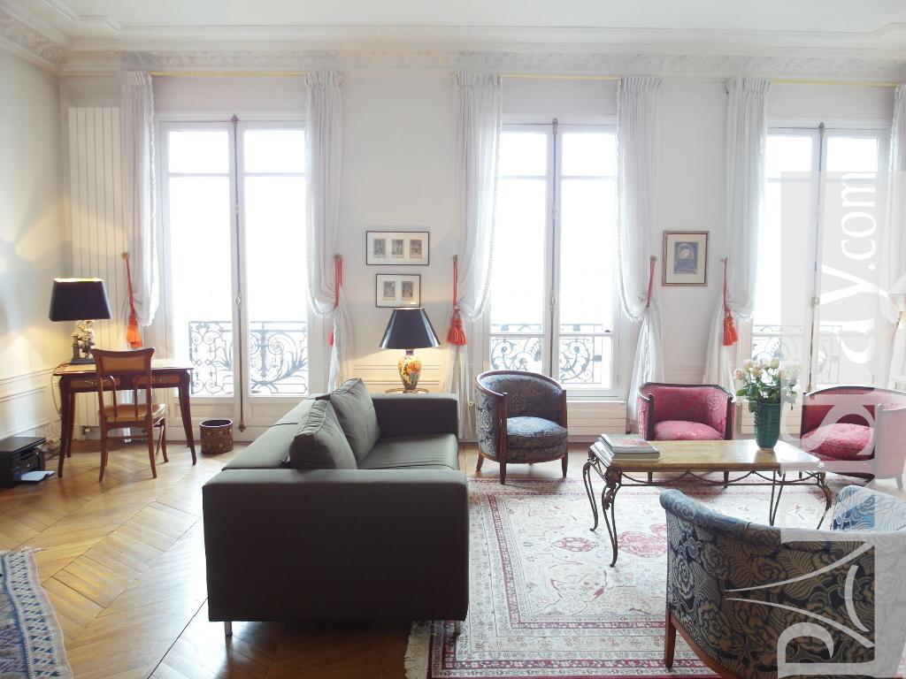 Paris location meubl e appartement type t2 bastille luxury - Salon de the bastille ...