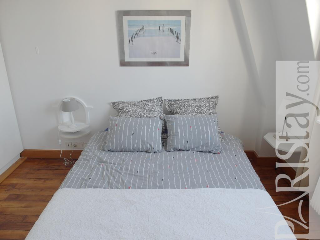 Paris location meubl e appartement type t3 marais duplex view - Chambre a coucher paris ...