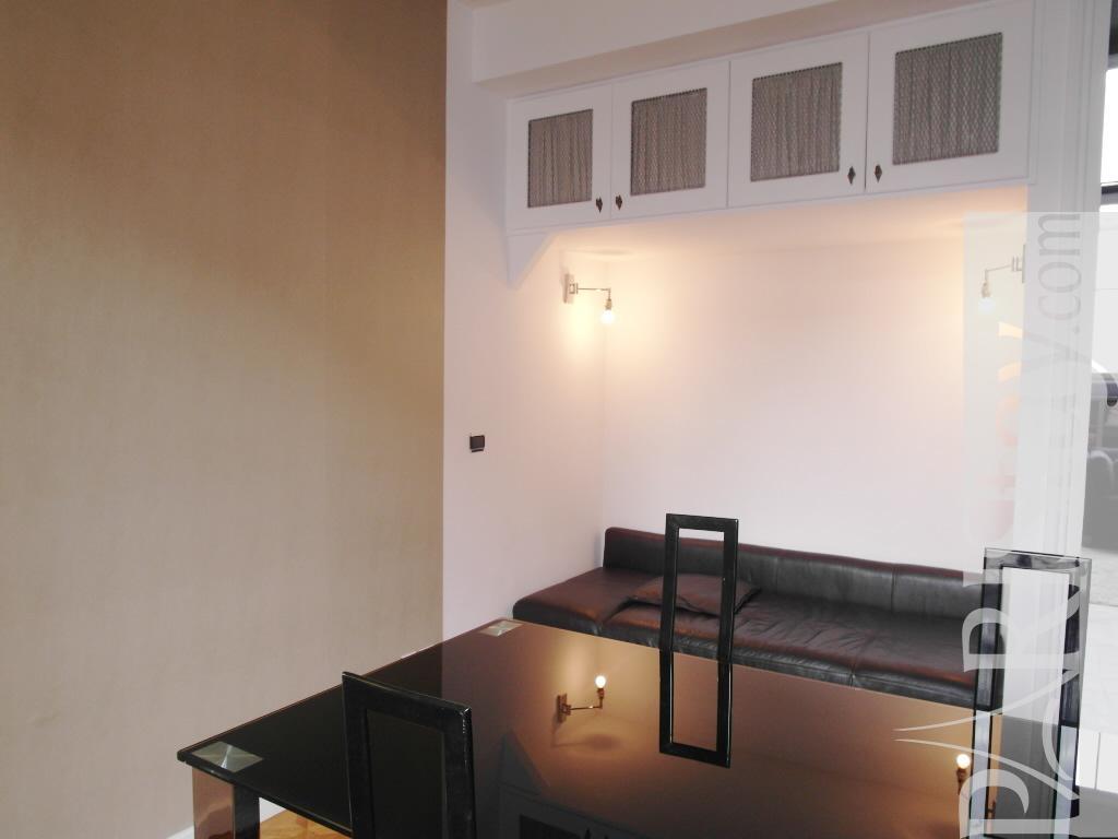 Paris location meubl e duplex type t3 lauriston artist for Salle a manger 1920