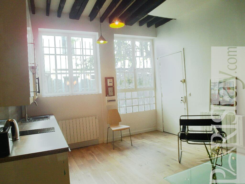 Paris location meubl e appartement type t1 studio bastille for Salon sur paris