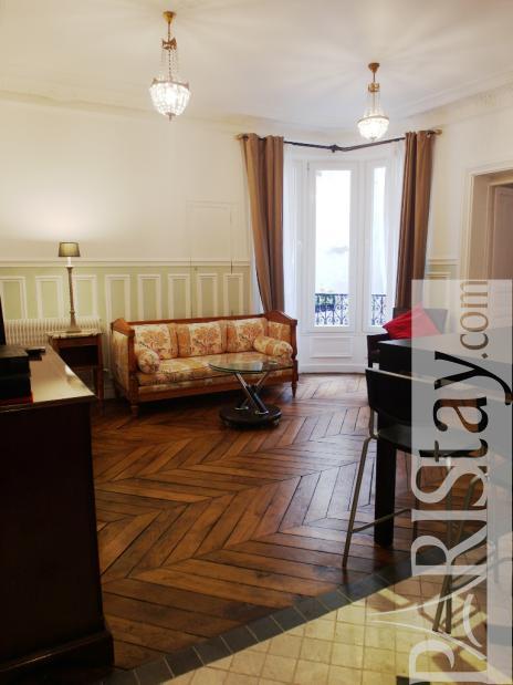 Rental Apartment Living Room Decorating Ideas: Paris Apartment Rental Montorgueil 75002 Paris