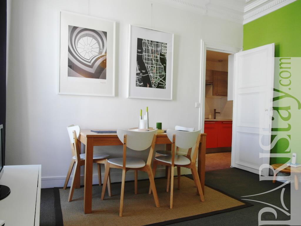 Paris location meubl e appartement type t2 saint georges for Salle a manger 1920