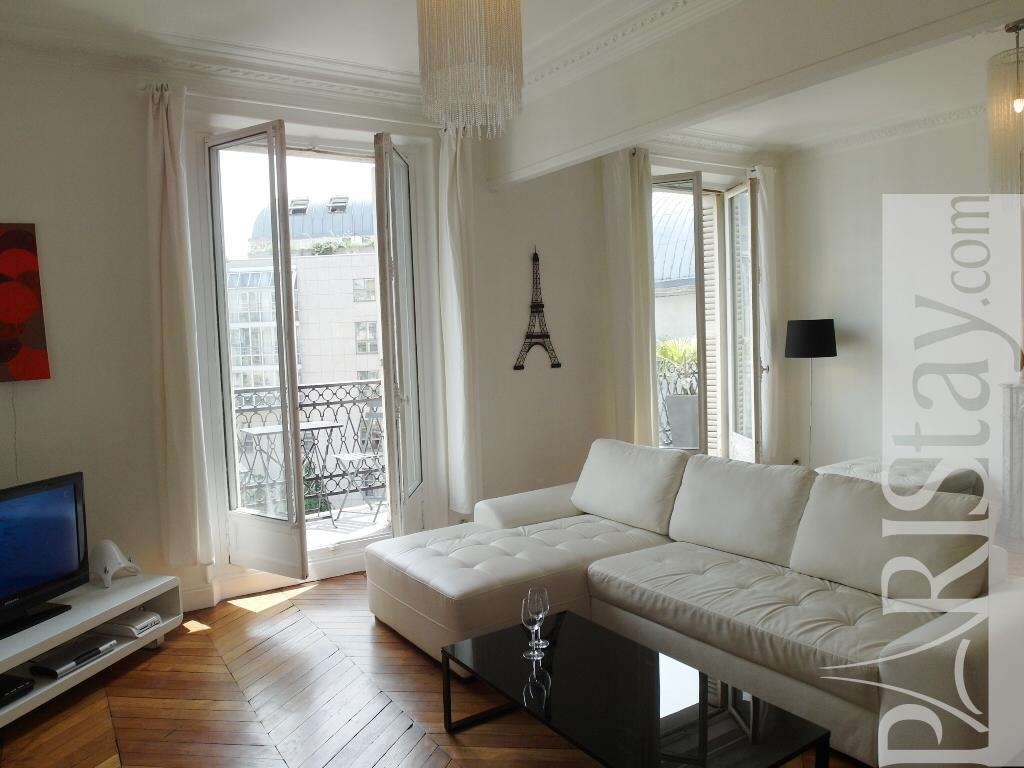 Furnished apartment rental in paris montorgueil 75001 paris for Furnished room