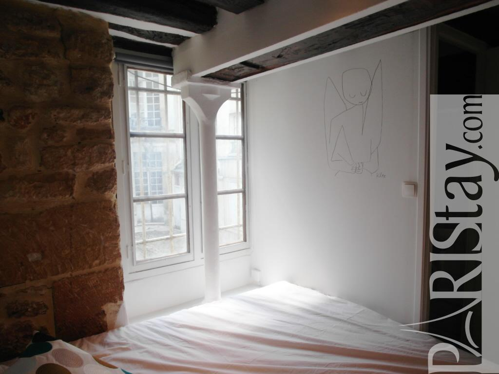 Paris location meubl e appartement type t2 polignac marais for Duplex appartement paris
