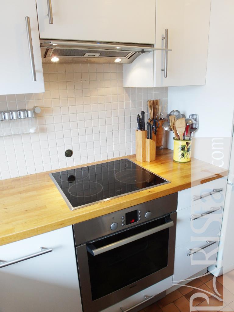 1 bedroom apartment for rent paris bastille 75011 paris for Balcony kitchen