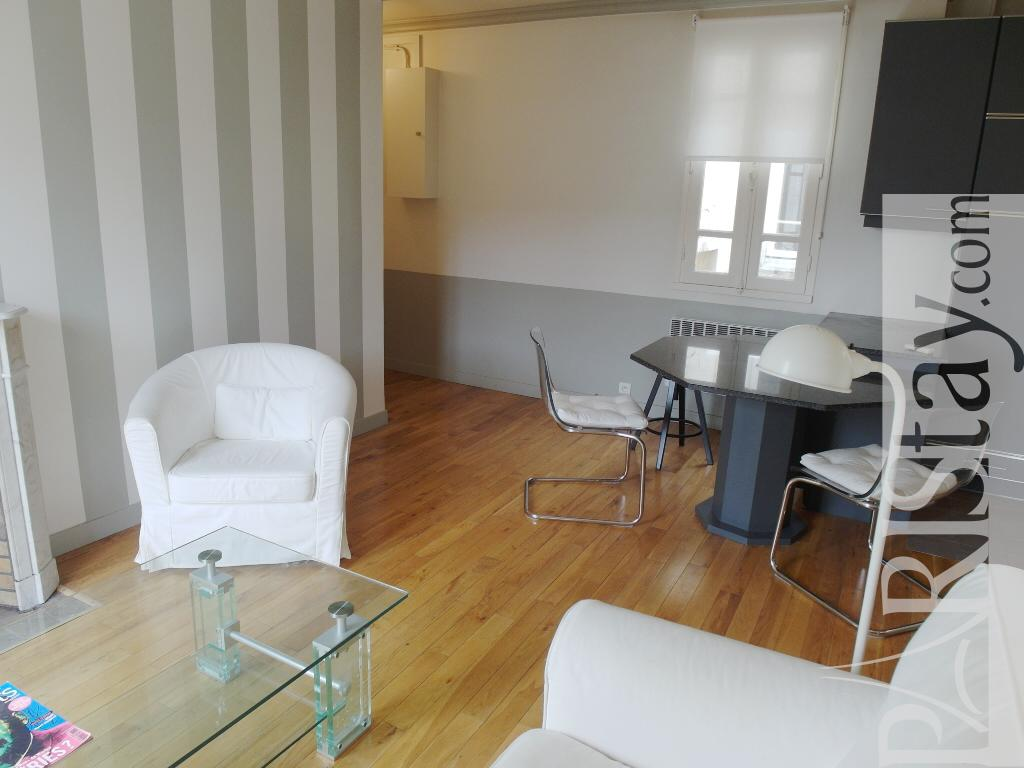 Paris location meubl e appartement type t2 maillot neuilly for Salon porte maillot