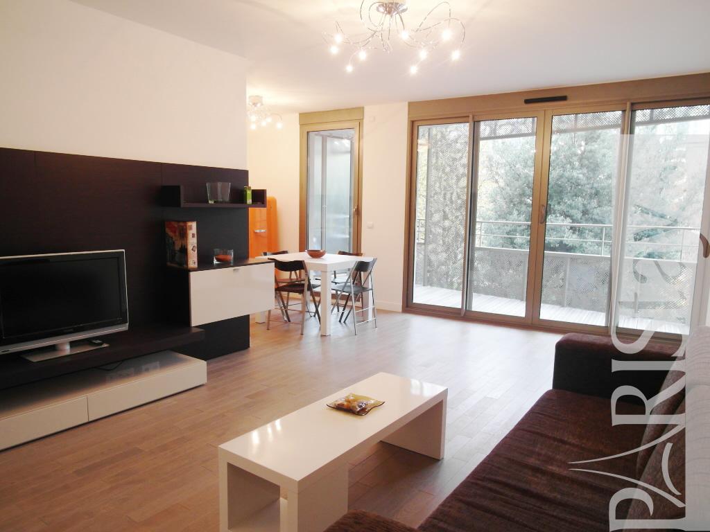 3 bedroom apartment long term rental Paris Convention ...
