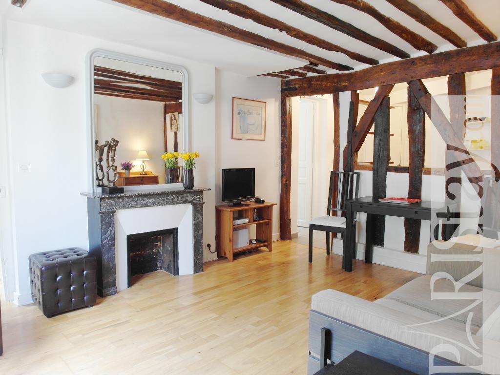 Paris 2 bedroom apartment rental le marais Le Marais 75004 ...