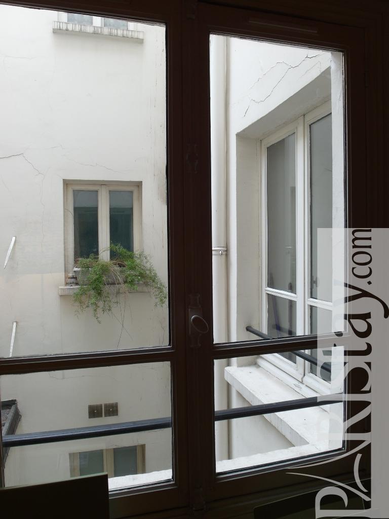 Paris location meubl e duplex type t2 chapon duplex for Duplex appartement paris