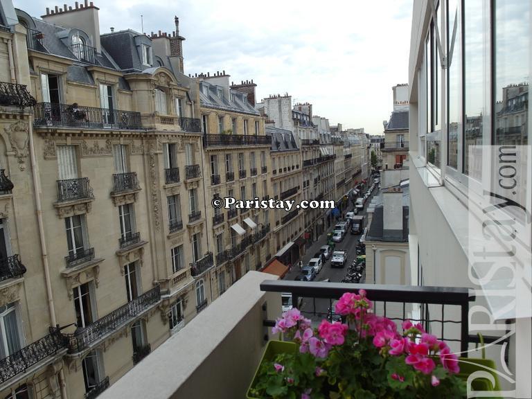Paris apartment rental maillot arc de triomphe porte maillot 75017 - Porte maillot coach station ...