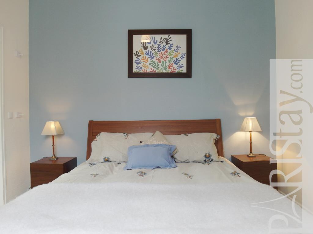 Paris location meubl e appartement type t3 beaubourg for Chambre a louer st eustache