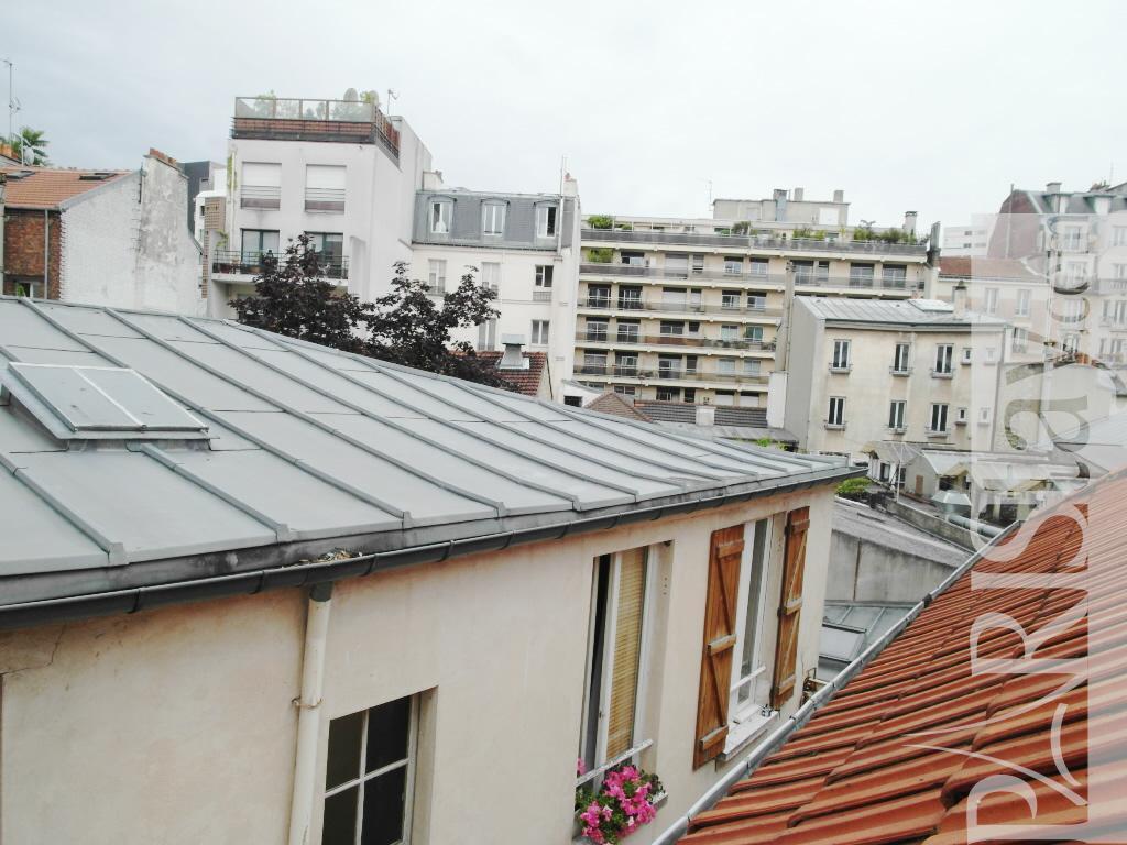 Paris location meubl e appartement type t2 grenelle duplex for Duplex appartement paris