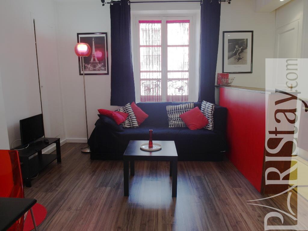 paris location meubl e appartement type t2 le marais cerisaie. Black Bedroom Furniture Sets. Home Design Ideas