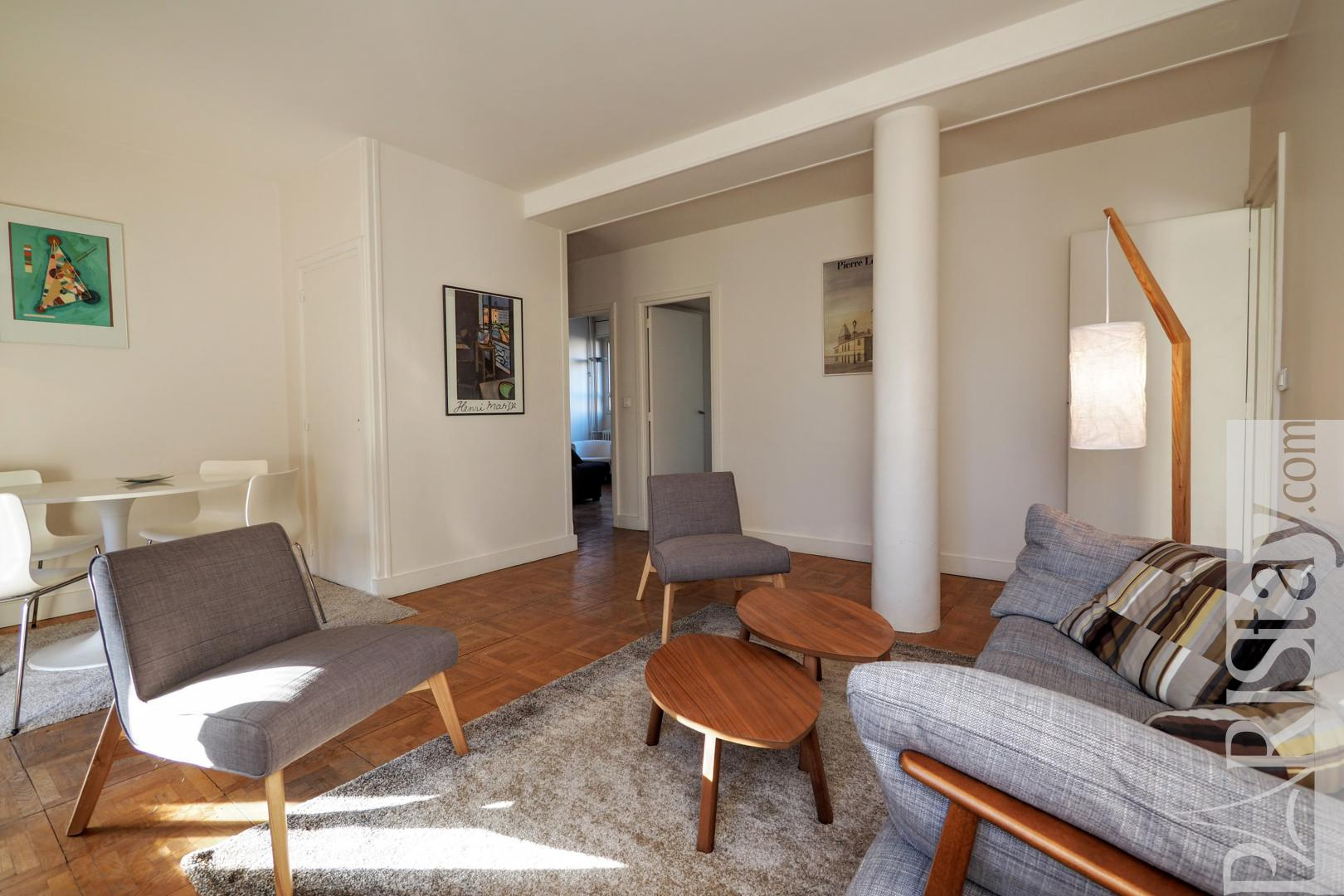 Paris Apartment Rentals 3 Bedrooms Bon March 233 75007 Paris