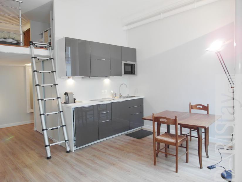 paris location meubl e appartement type t1 studio victoire. Black Bedroom Furniture Sets. Home Design Ideas