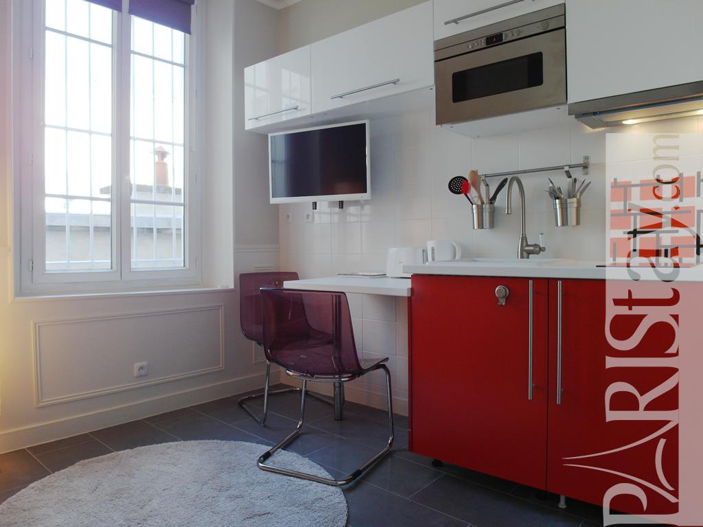 Paris location meubl e appartement type t1 studio for Appartement atelier