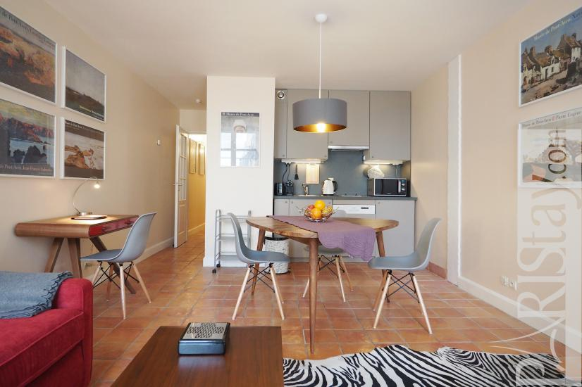 Paris furnished one bedroom apartment rental louvre