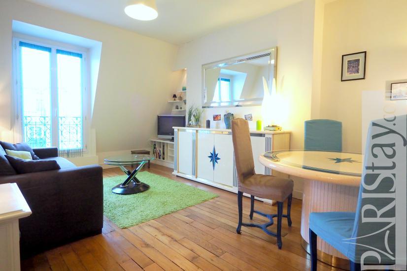 Location appartement meuble paris montmartre t2 75018 for Salon dunkerque