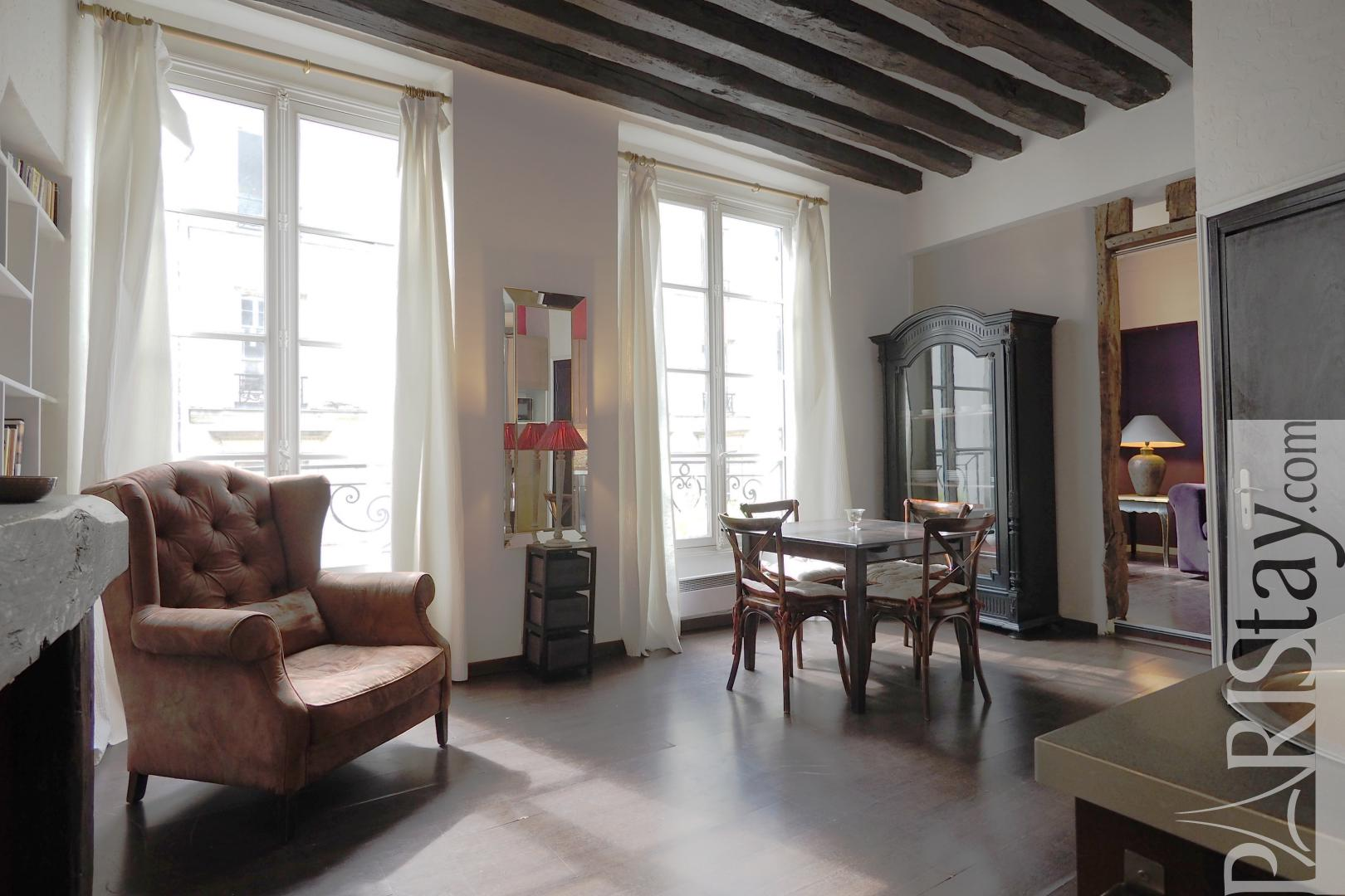 Location longue duree paris le marais appartement t3 meuble for Photo salon dappartement