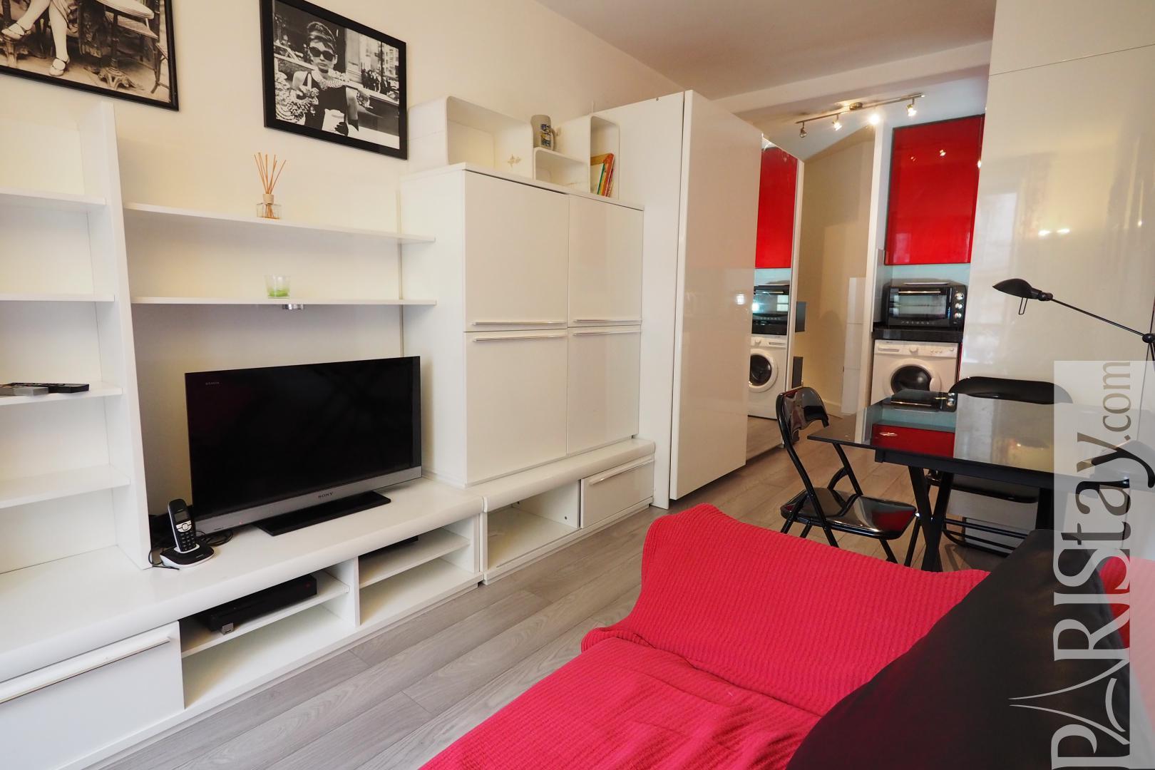 location appartement meuble paris saint germain la sorbonne t2. Black Bedroom Furniture Sets. Home Design Ideas