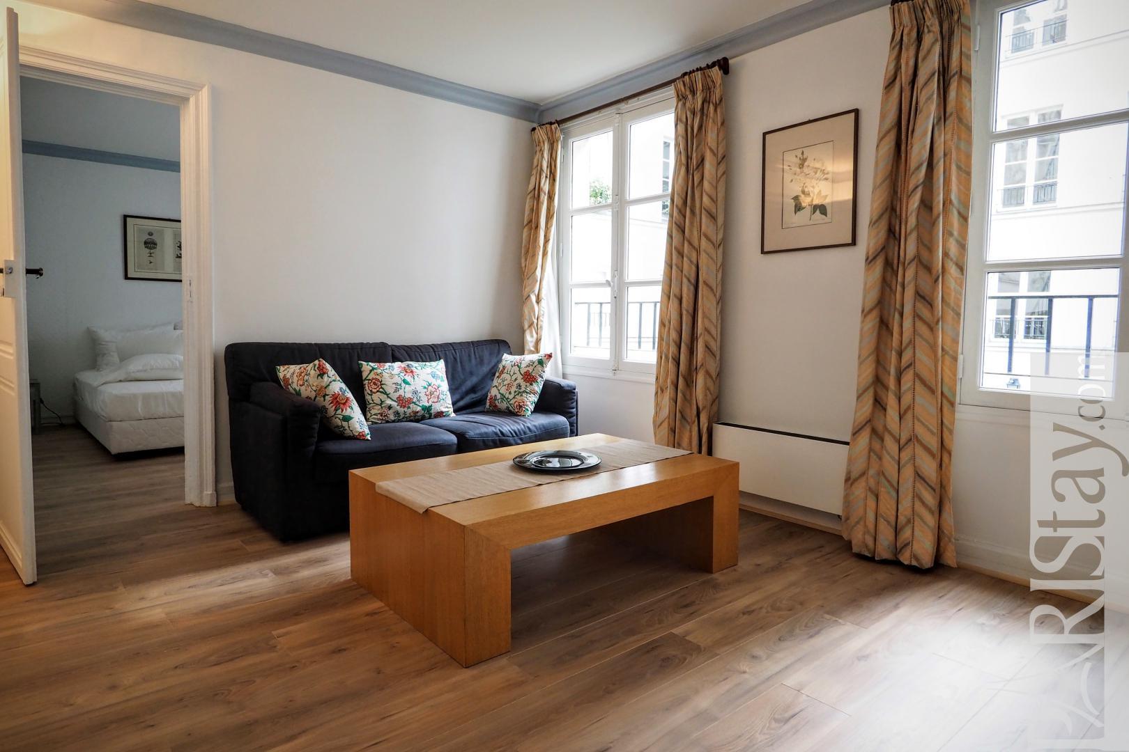 01d2bc1882 Paris flat rentals one bedroom apartment for rent Louvre
