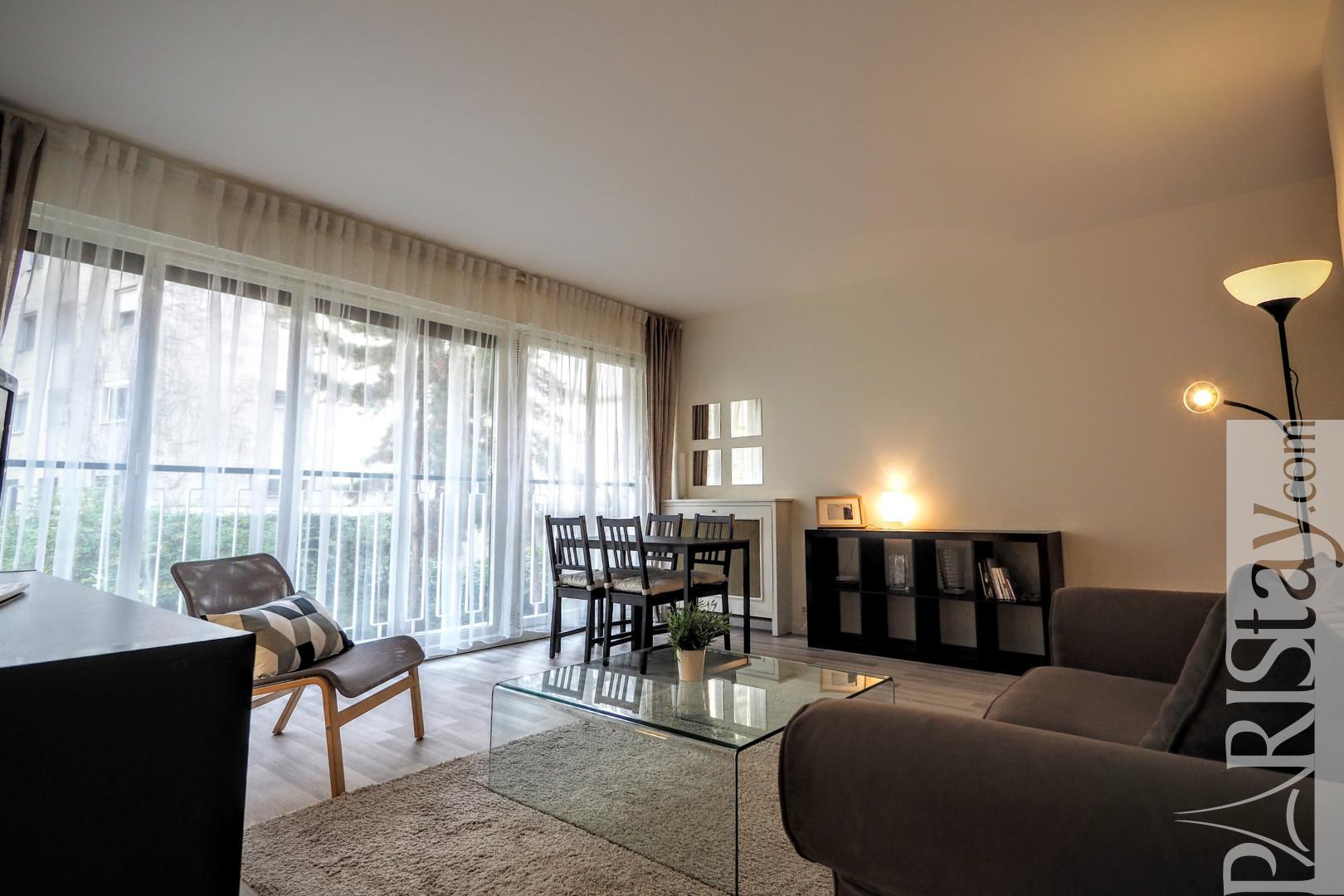 Location appartement t3 paris 2 chambres quartier wagram for Salon wagram