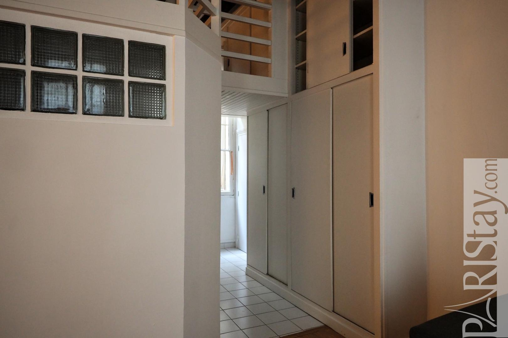 Location appartement meuble paris t2 meuble saint michel for Location appartement meuble paris