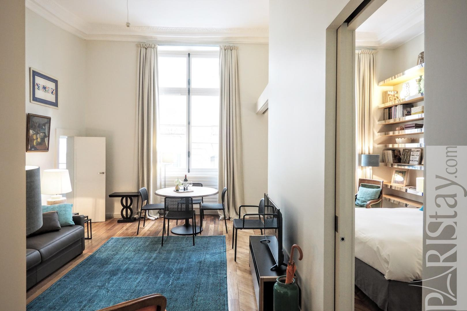 Apartment rentals paris france Louvre 2 bedroom vacation ...