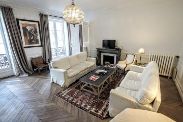 4 bedrooms of From Paris with love 4BR Paris apartment rentals Quartier Latin