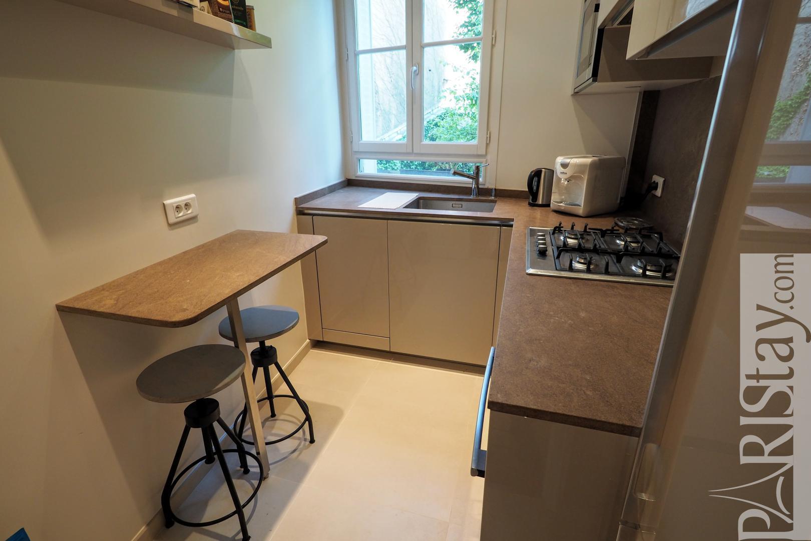 paris appartement meubl louer t3 75006 luxembourg. Black Bedroom Furniture Sets. Home Design Ideas