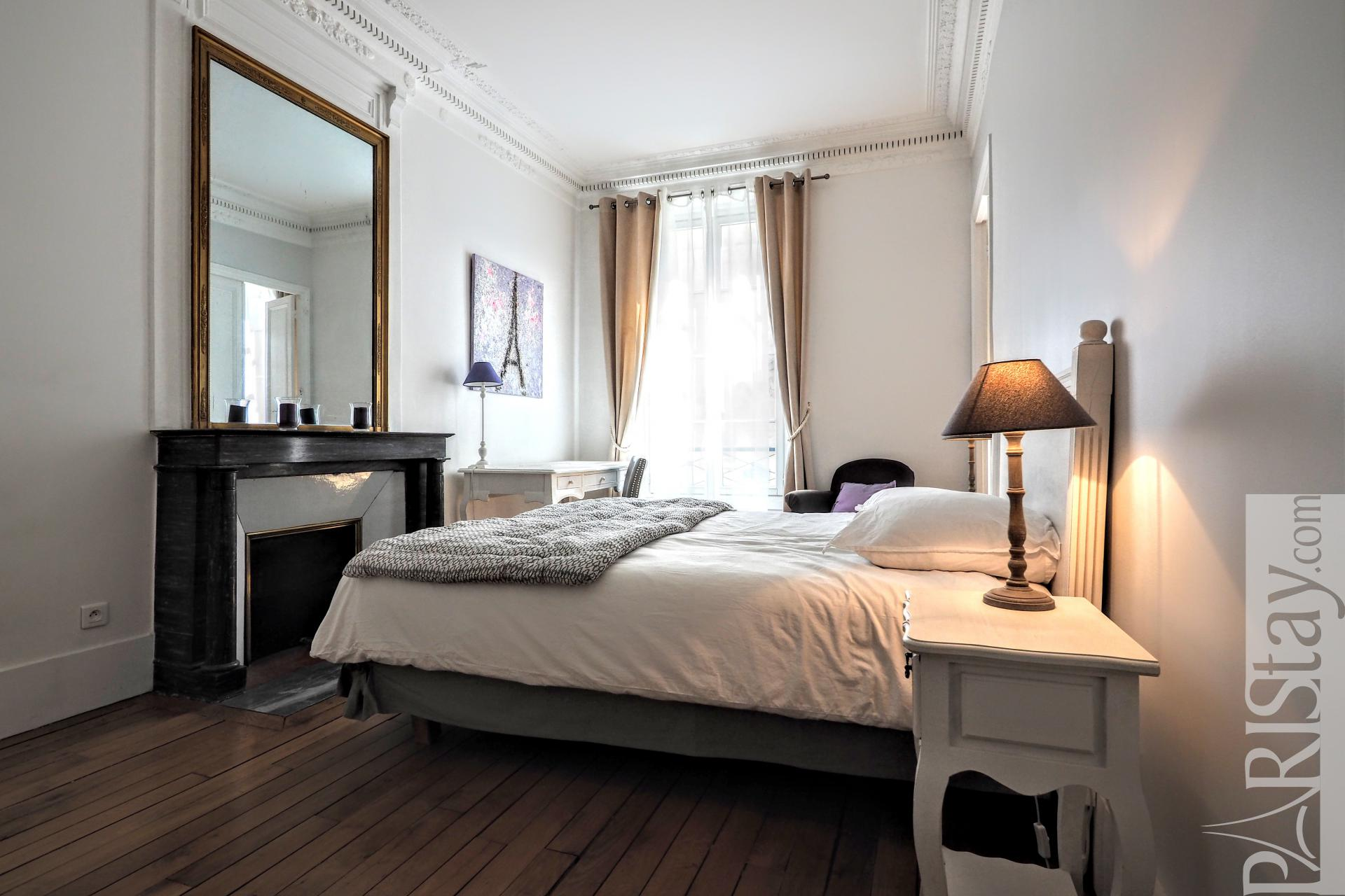 Chambre a coucher germain lariviere for Germain lariviere meuble