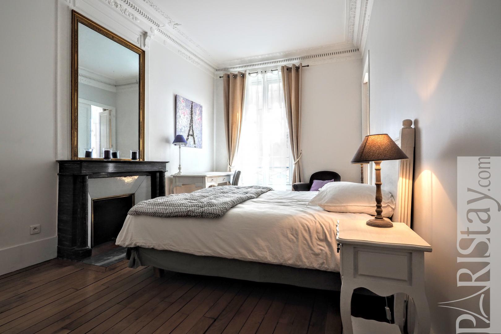paris location appartement 2 chambres mus e orsay meubl. Black Bedroom Furniture Sets. Home Design Ideas